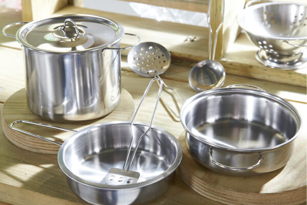 Plum Discovery Mud Pie Kitchen - Utensils