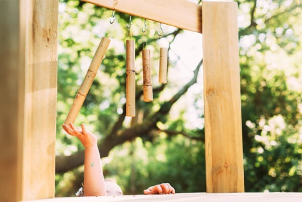 Plum Discovery Woodland Treehouse - Wood Chimes
