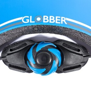 Adjustable neck support for globber helmet