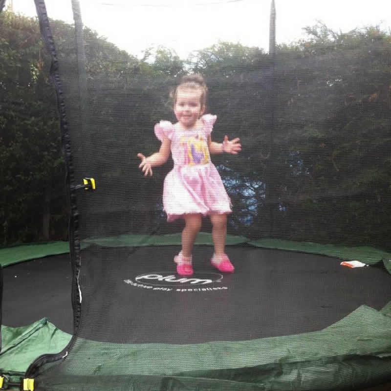 PLUM FUN TRAMPOLINE